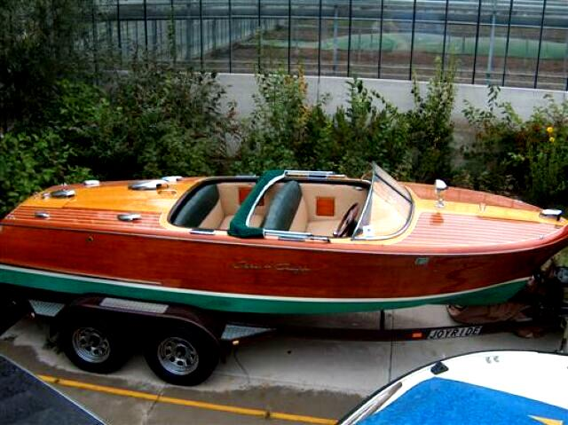 Boats classic chris craft capri joop stolze classic cars for Classic chris craft wooden boats