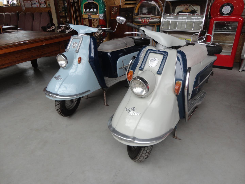 heinkel tourist 103 a2 scooter joop stolze classic cars. Black Bedroom Furniture Sets. Home Design Ideas