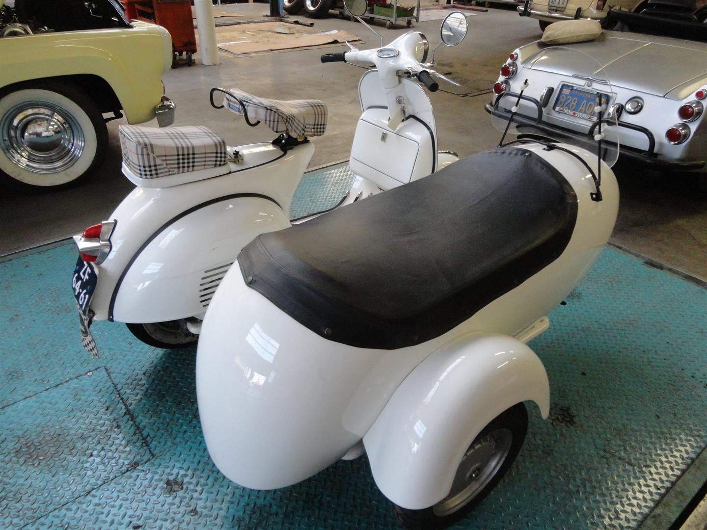 Vespa With Sidecar - #GolfClub