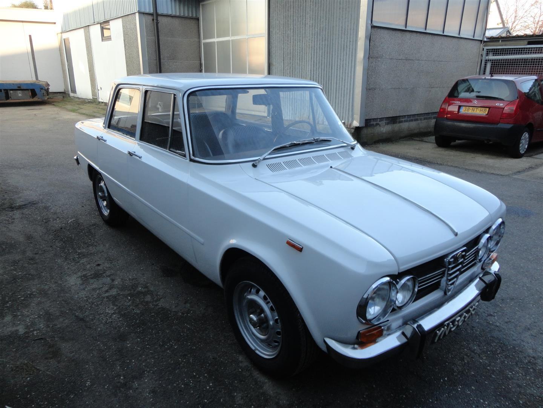 alfa romeo giulia super 1 3 joop stolze classic cars. Black Bedroom Furniture Sets. Home Design Ideas