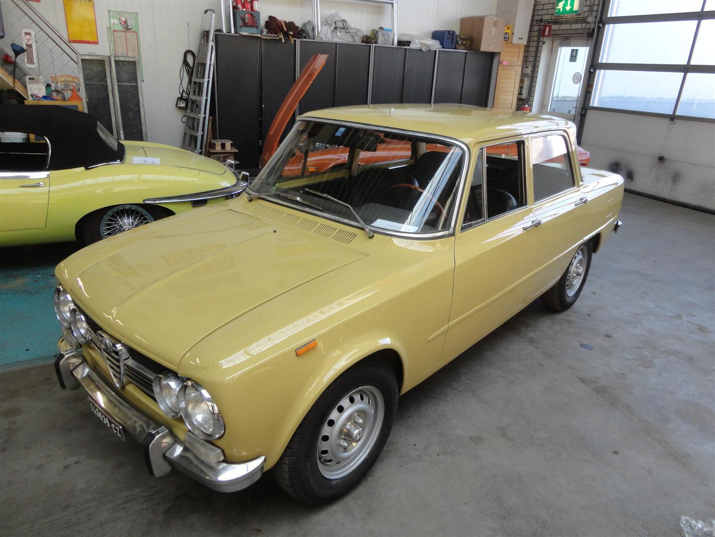 alfa romeo giulia 1300 super joop stolze classic cars. Black Bedroom Furniture Sets. Home Design Ideas