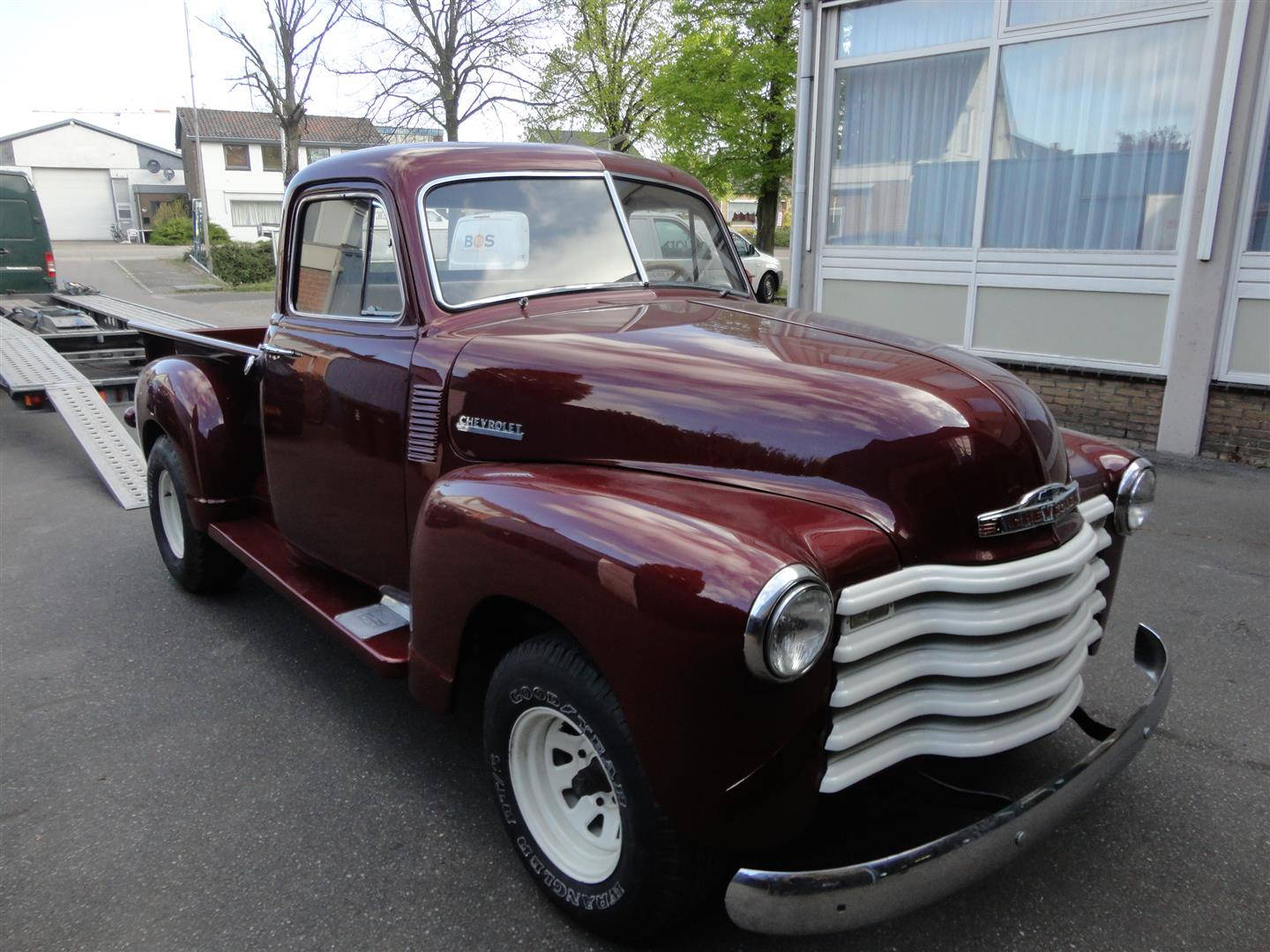 chevrolet 3100 pick up maroon joop stolze classic cars. Black Bedroom Furniture Sets. Home Design Ideas