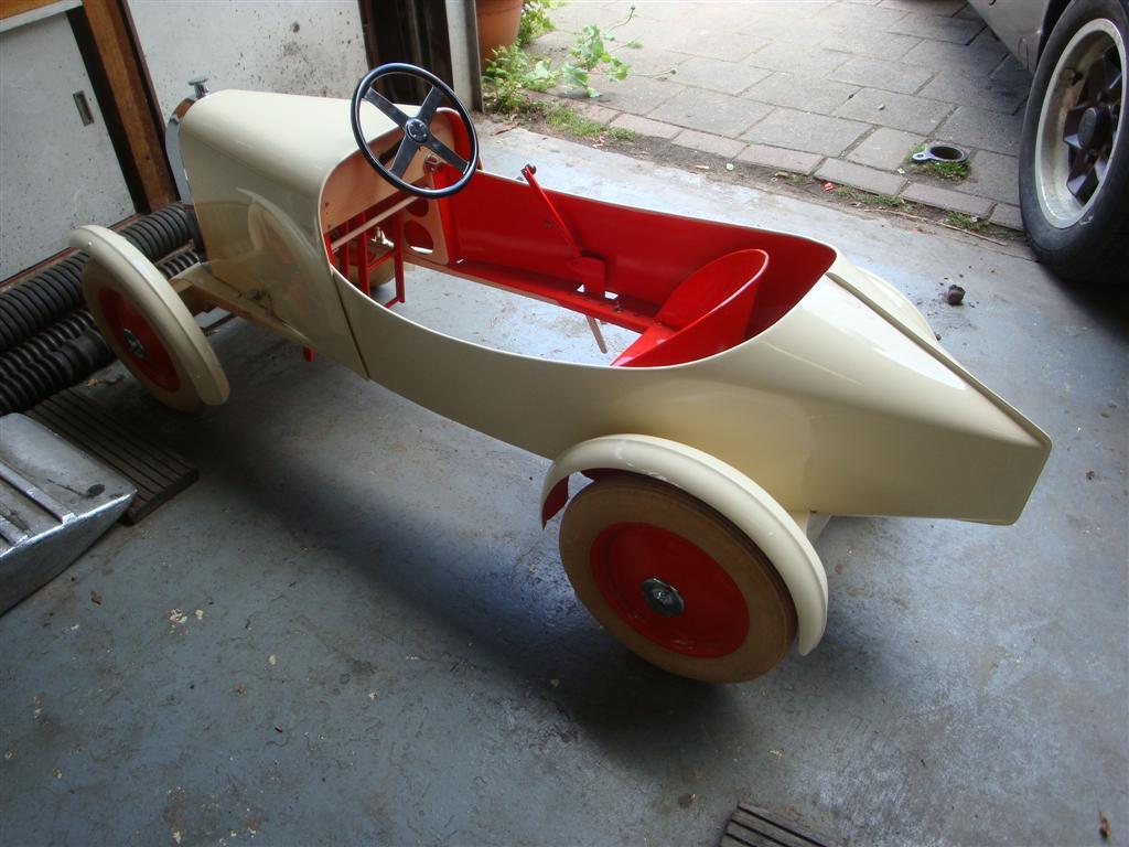 bugatti pedal car 1 joop stolze classic cars. Black Bedroom Furniture Sets. Home Design Ideas